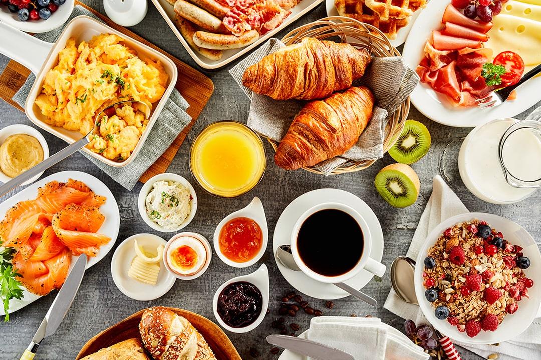 いつもと違う朝は、ゆっくりとグランカフェで朝食を